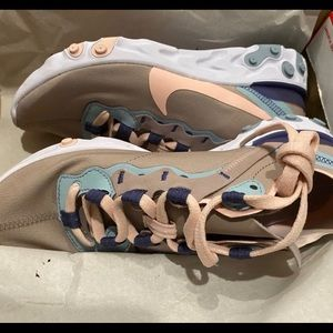Nike Shoes - Nike react element 55 pink 6.5